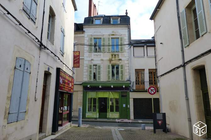 A louer centre ville Nevers local commercial