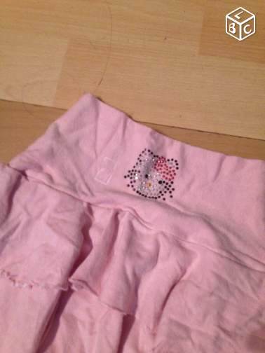 Jupe hello kitty taille 6ans
