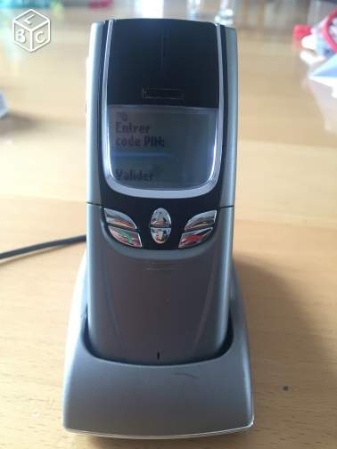 Nokia 8850 + chargeur + support