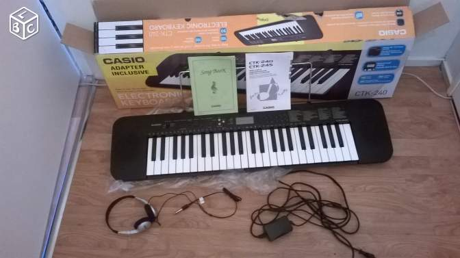 Clavier arrangeur CASIO CTK + casque