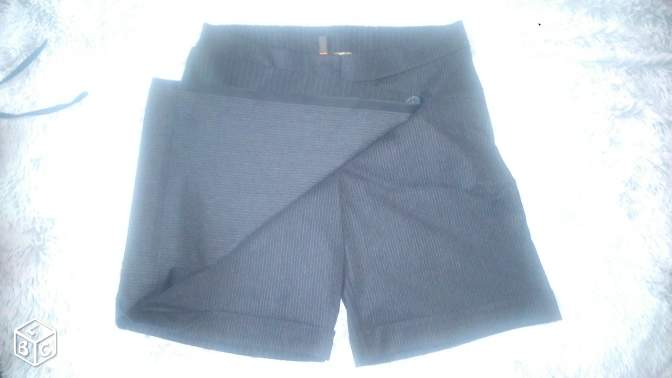 Jupe short portefeuille. COPCOPINE. Taille 36
