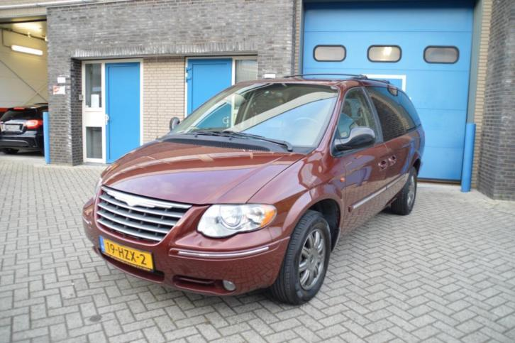 Chrysler GRAND VOYAGER 3.8 V6 / 7 PERSOONS TOWN & COUNTRY