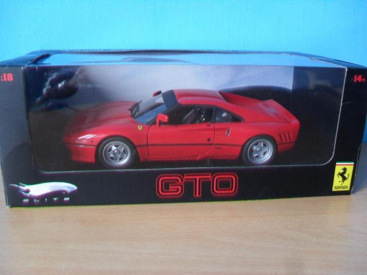Ferrari GTO 1:18 Hot Wheels Elite