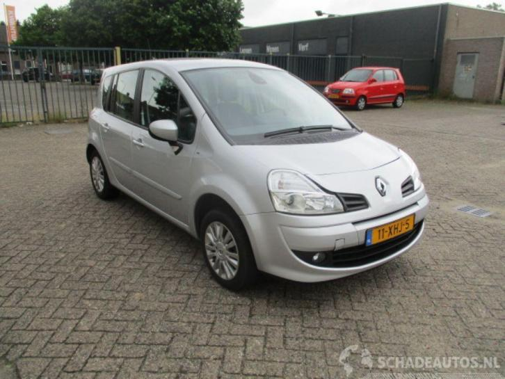 Renault grand-modus 1.6 16v Night & Day Automaat (bj 2012)