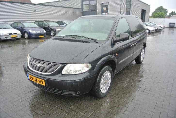 Chrysler Voyager 2.4i SE Luxe 7 pers automat airco zwart 200