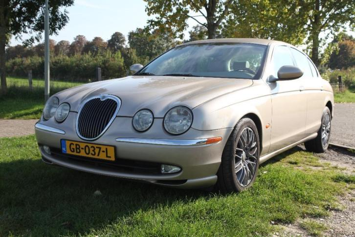 Jaguar S-Type 2.5 V6 Executive AUT 2003 Bruin