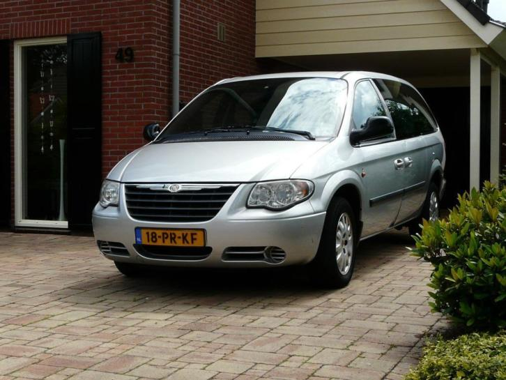 Chrysler Grand Voyager 2.5 CRD 2004 Grijs 6 persoons