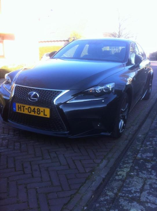 Lexus IS 300H 2.5 Hybrid CVT 2013 Zwart