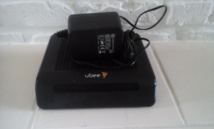 Ubee modem / router met adapter