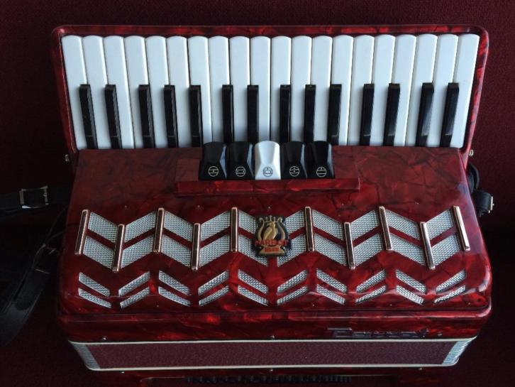 Accordeon Parrot . 72 bas . Z.g.a.n.
