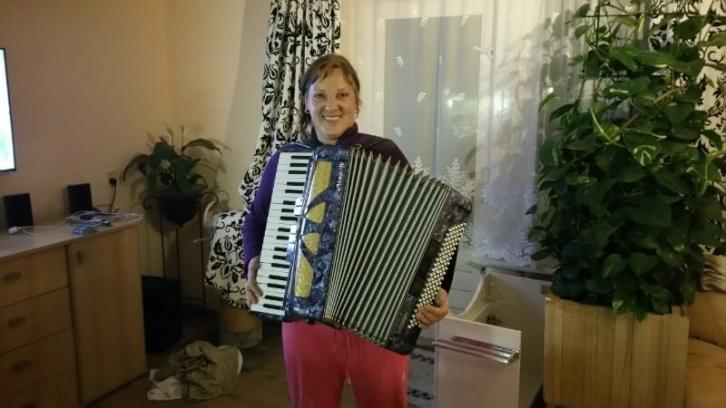 Te Koop 120 bas Aida IV accordeon