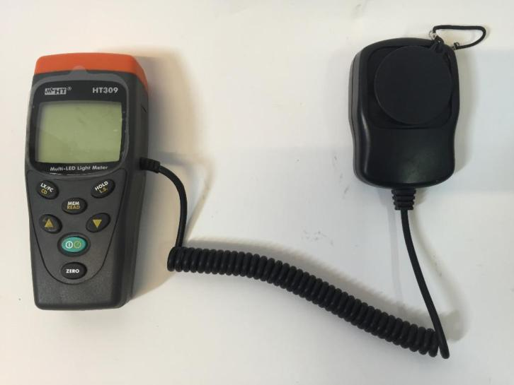 HT309 Multi-Led Light Meter incl. Hoes | Goede Staat