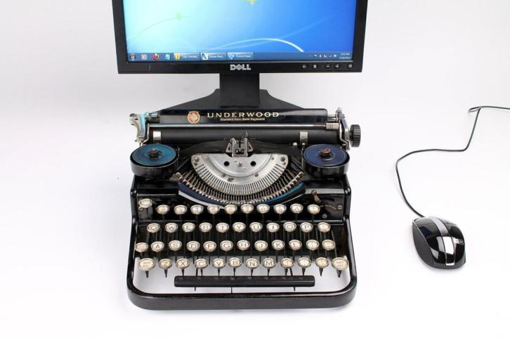 USB Typewriter Underwood Computer Keyboard iPad Stand
