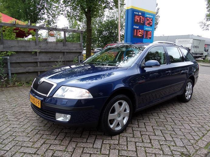 Skoda Octavia Combi 1.6 Elegance Attractive Business