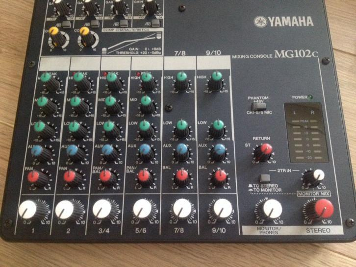 Yamaha MG102c mixer 10 channel z.g.a.n.