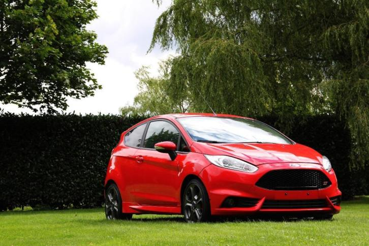 Ford Fiesta ST Racing Rood 2015