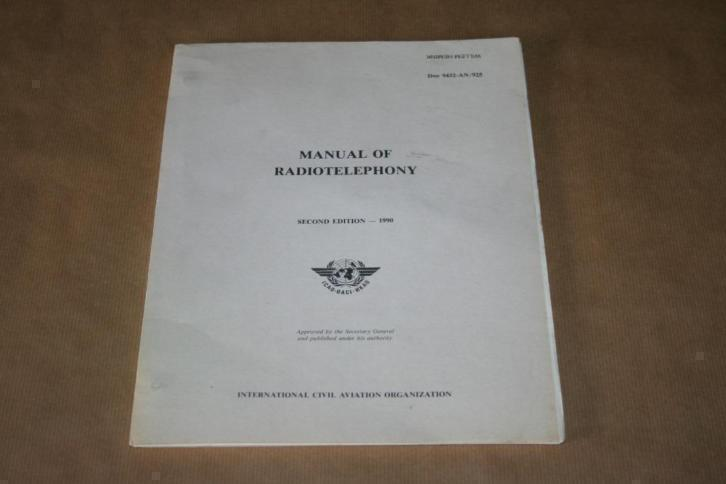 Manual of Radiotelephony (Luchtvaart) !!
