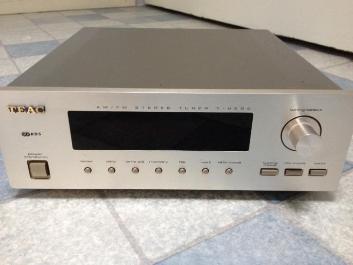TEAC T-H500 AM/FM Stereo Tuner