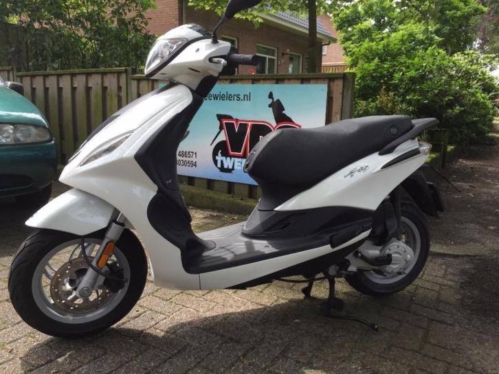 Piaggio Fly new 25km 4t snorscooter SUPER STAAT
