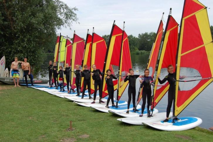 Summercamp WINDSURFEN Surfschool surfen surfles cursus