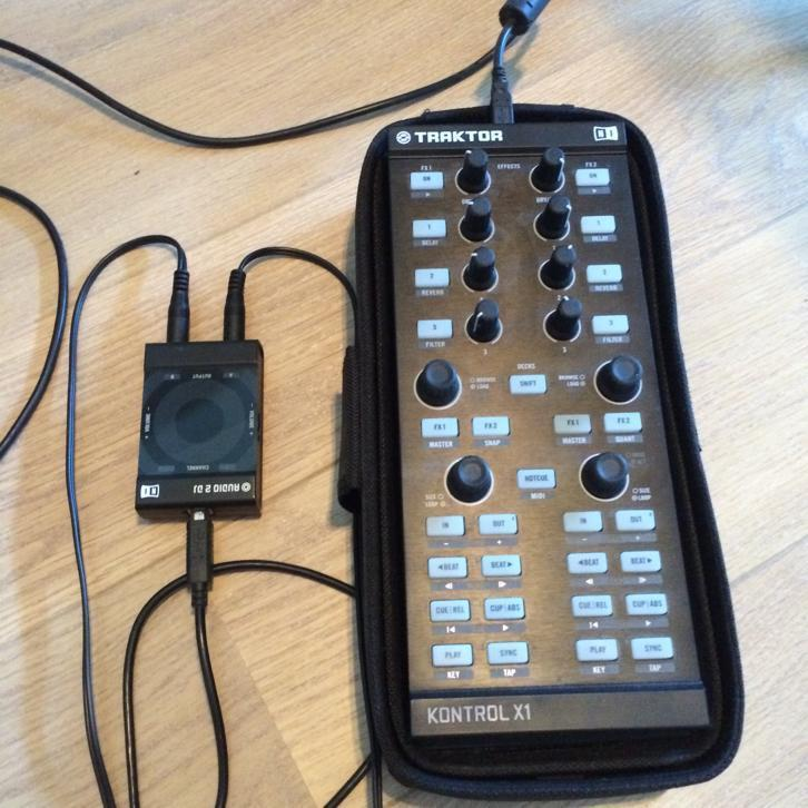 Traktor x1 incl. bag en Audio2 geluidskaart