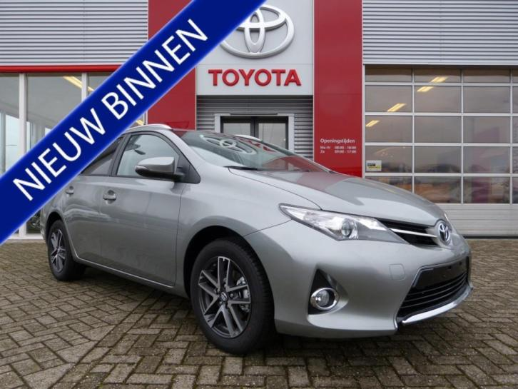 Toyota Auris Touring Sports 1.8 Hybrid Lease (bj 2015)