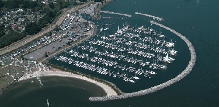 Ligplaats regatta center haven Medemblik