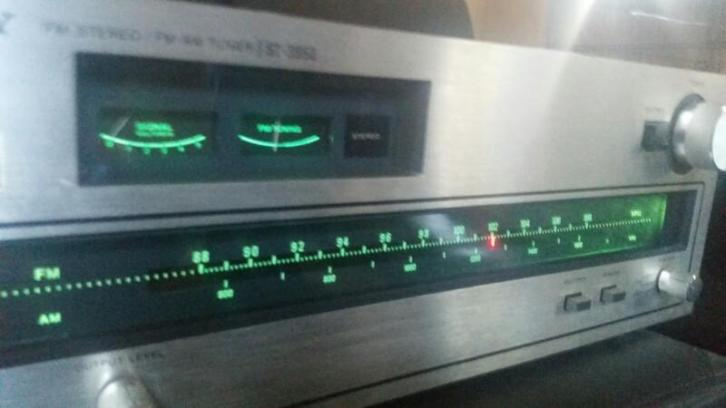 Sony ST-3950 FM AM Stereo tuner Retro Vintage