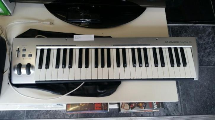M -Audio KeyRig 49 keyboard