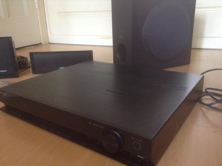 DVD Home Theatre System Sony HBD-DZ330