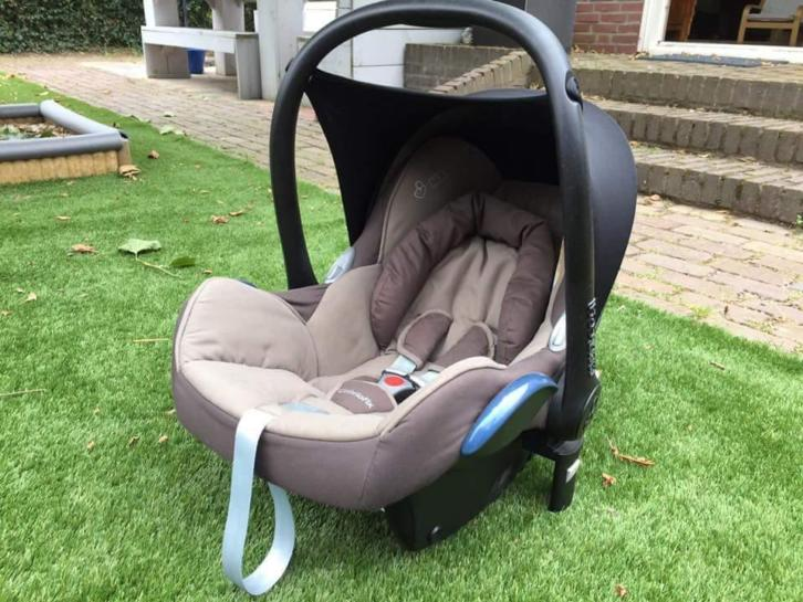 Maxi Cosi cabriofix walnut brown