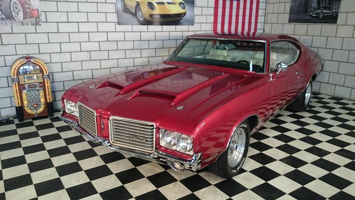 Oldsmobile Cutlass S 1971 Rood