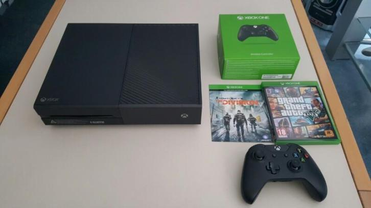 Xbox One 1TB - 2 Controllers - 2 Games - 3 weken oud!