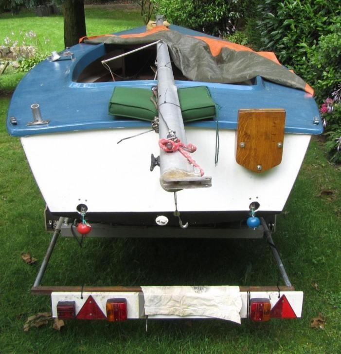 Polyester Flying Arrow type Spanker met wegtrailer + dekzeil