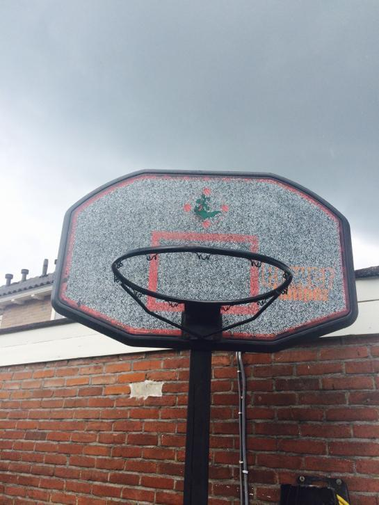 Basketbal paal
