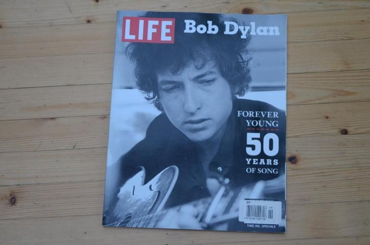 LIFE MAGAZINE BOB DYLAN SPECIAL~ Forever Young (2012)