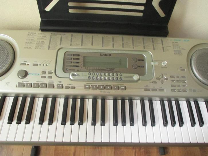 Casio Keyboard WK 3300