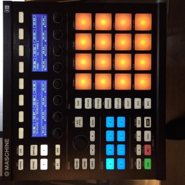 Maschine MK2 incl. KOMPLETE SELECTION/MASSIVE/SCARBEE