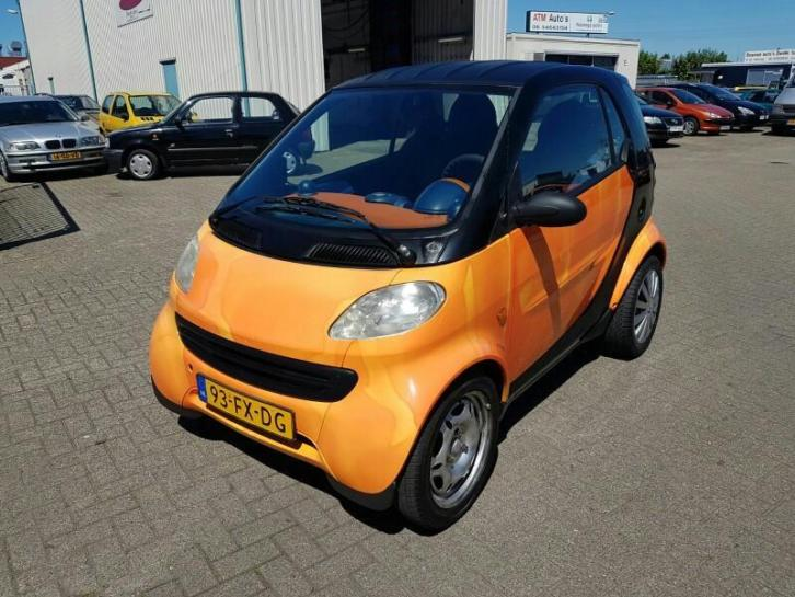 Smart city-coupé 0.6 BJ:2000 MET WEINIG KM 92.000! 1349,-!
