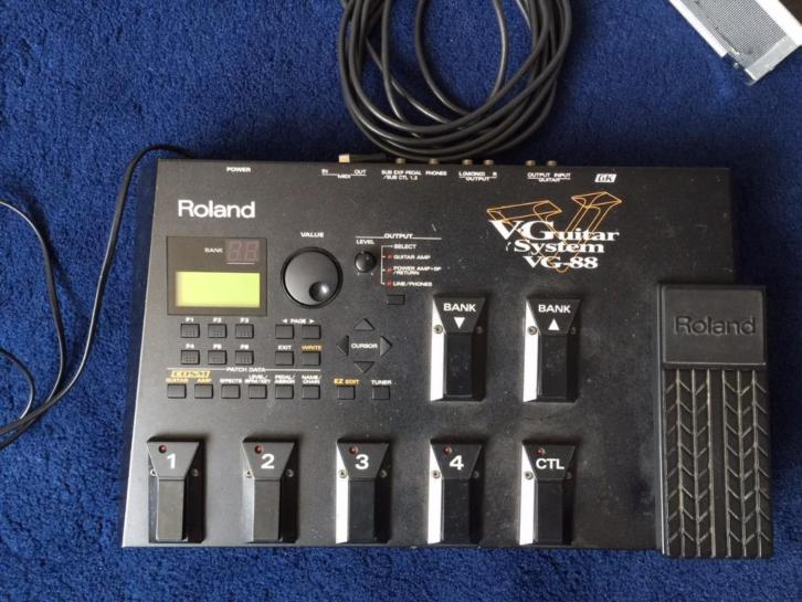 Roland VG-88 V2 guitar effects processor/synthesizer
