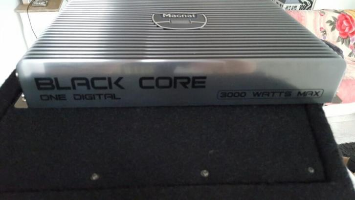 Magnat black core one digital 3000w versterker