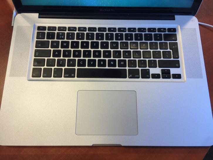 Macbook pro 15 medio 2009