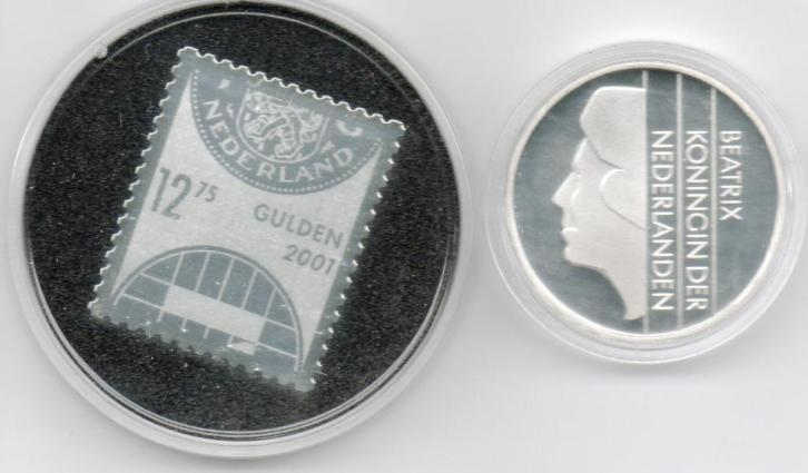 Beatrix 1gulden 2001 + post zegel 2001 zilver in een doosje