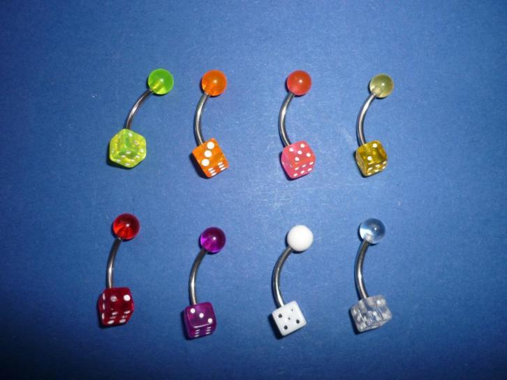NIEUW!! navel piercings hello kitty en dobbelsteen OPRUIMING