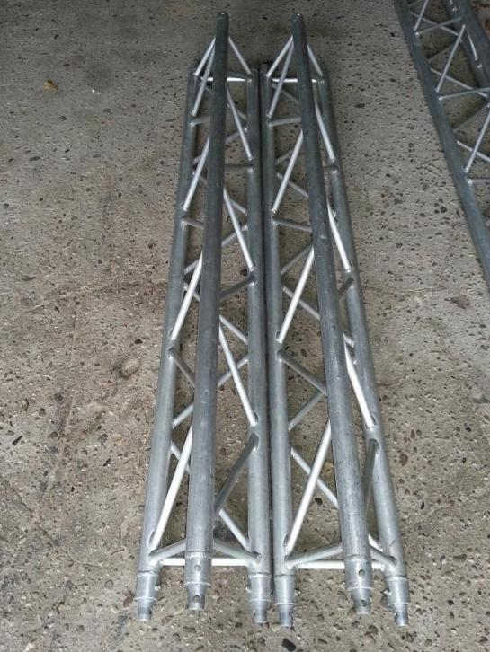 4x 2 meter F33 truss (driehoek)