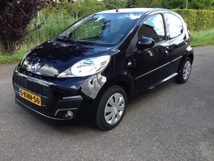 Peugeot 107 1.0 12V 5 Drs Zwart Full option Led 2013