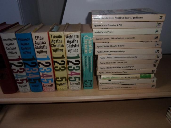 Agatha Christie - 42 titels