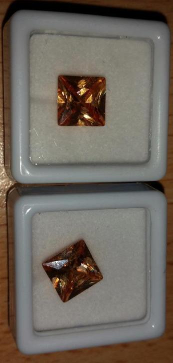 Zircon 2 square cut brown stones 5.85 and 5.55 ct Certificat