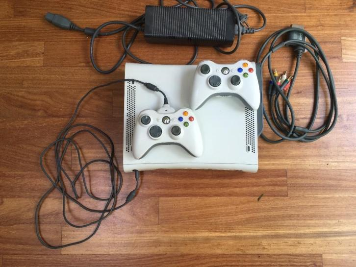 Xbox 360 incl 10 games