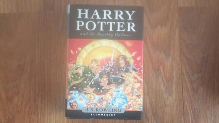 Harry Potter and the Deathly Hallows (engelstalig)